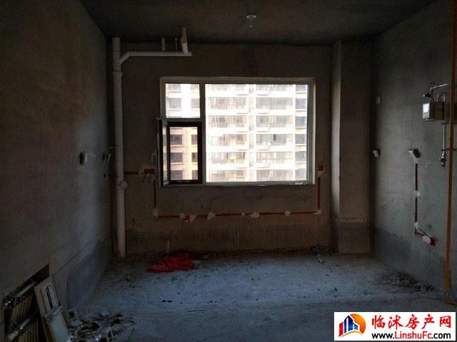 史丹利河东岸  4室2厅 186.0平米 毛坯 138万元