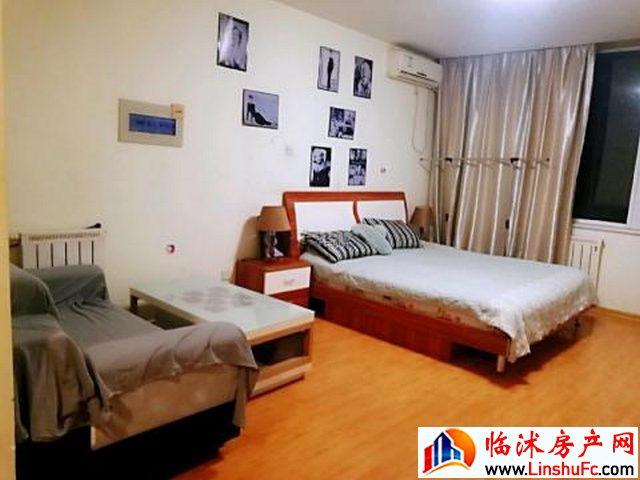 佳禾花园小区 1室1厅 40平米 精装修 1200元/月