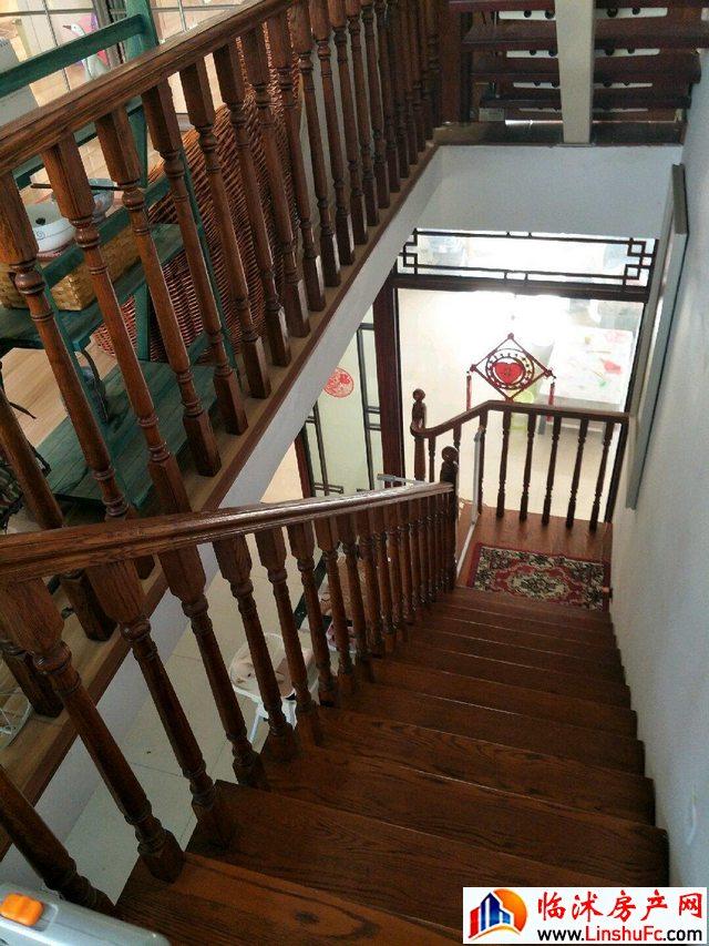 徐兴社区  5室4厅 390.0平米 精装修 90万元