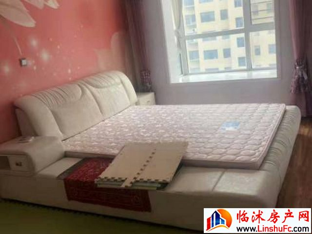 颐和御园 3室2厅 155平米 精装修 1166元/月