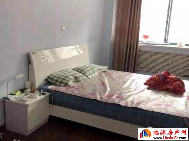 景钰嘉园 3室2厅 150平米 精装修 1000元/月