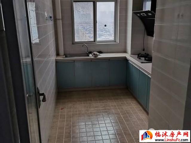 沭中名苑 2室2厅 98平米 简单装修 700元/月