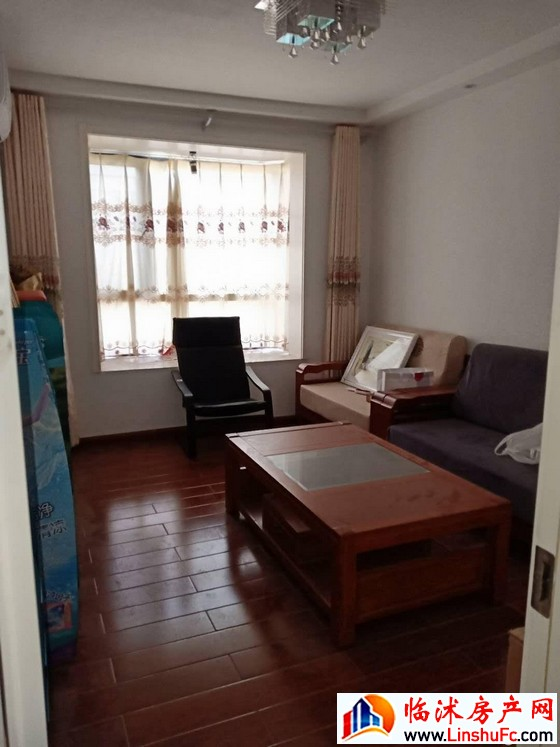 华丰现代城 5室3厅 226平米 精装修 145万元